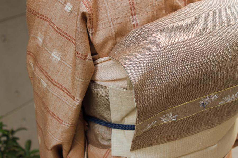絣着物冬に入る×羊歯文刺繍帯