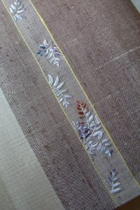 羊歯文刺繍帯